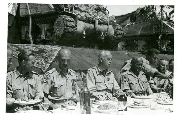 2 Korpus Polski PSZ, gen. w. Andres, gen. K. Sosnkowski podczas spotkania we Wloszech