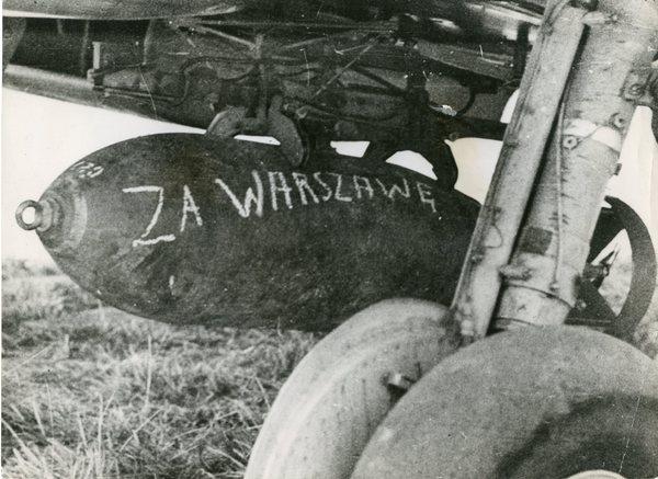Podpisywanie bomb - za Warszawę