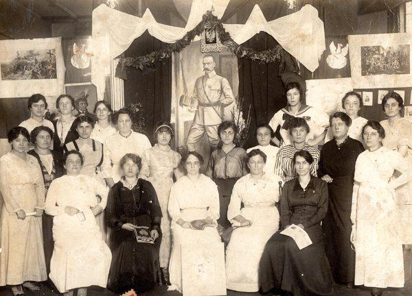 Komitet Pań Wystawy Niepodległościowej Komitetu Obrony Narodowej w Chicago, 30 lipca 1915 r.