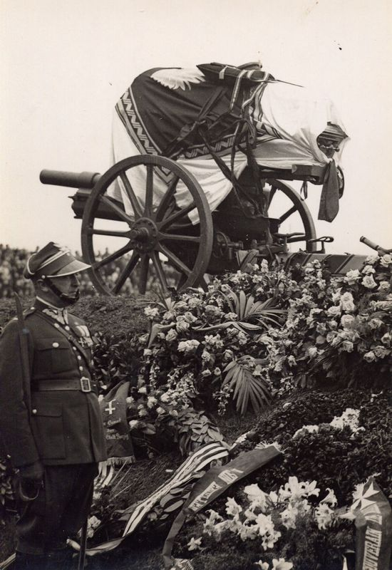 Laweta z trumną Józefa Pilsudskiego, Warszawa 17 maja 1935 rok