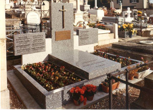Grób  K. Sosnkowskiego we Francji