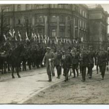 Józef Piłsudski podczas przeglądu I pułku szwoleżerów, Warszawa 1919