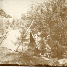 Legionisci w namiotach