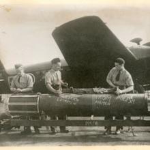 Podpisywanie bomb- od polskich lotnikow